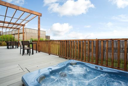 Gwel-an-Mor-Cornwall-Holiday-Resort-Residence-Hot-Tub